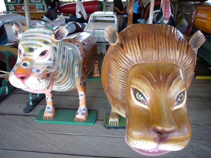 ataudes con forma de animales en ghana