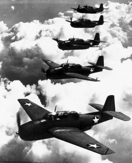 cinco aviones Avion Grumman TBF