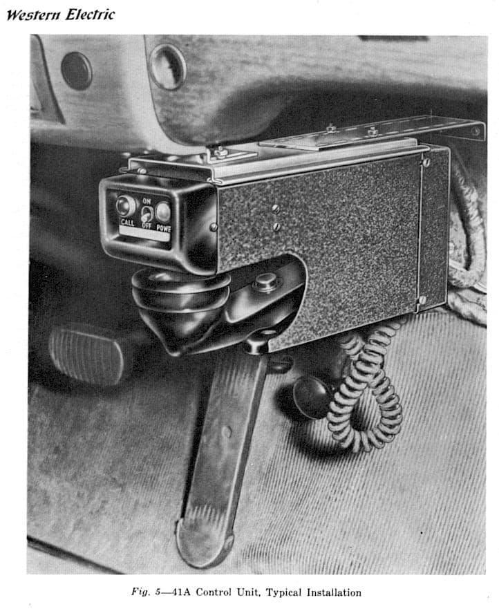 los primeros telefonos para autos
