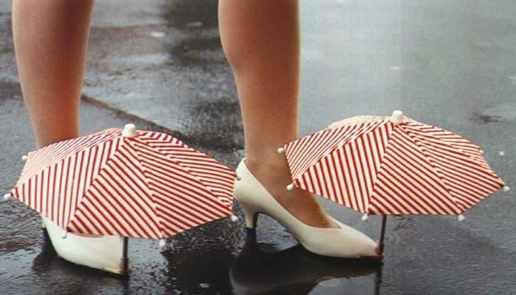 zapatillas de tacon con sombrillas en las puntas