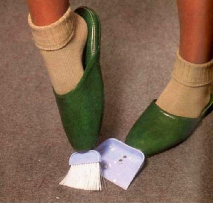 zapatos con escoba y recojedor integrados