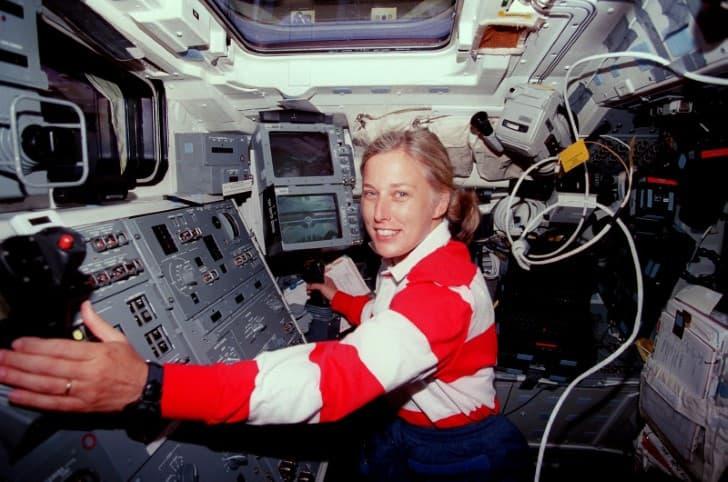 astronauta davir en el trabajo