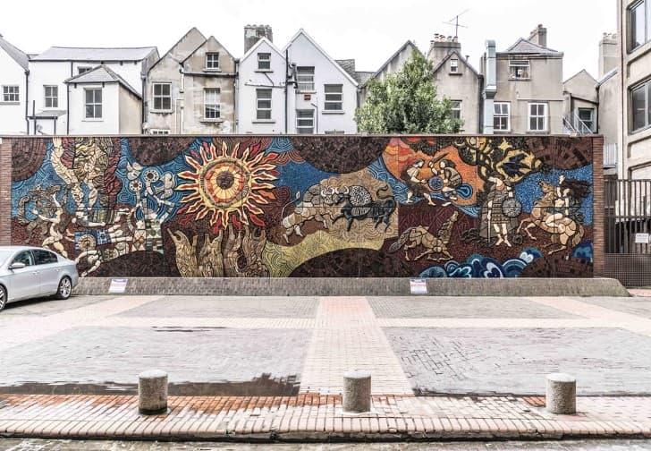 mosaico Táin Bó Cúailnge en Belfast