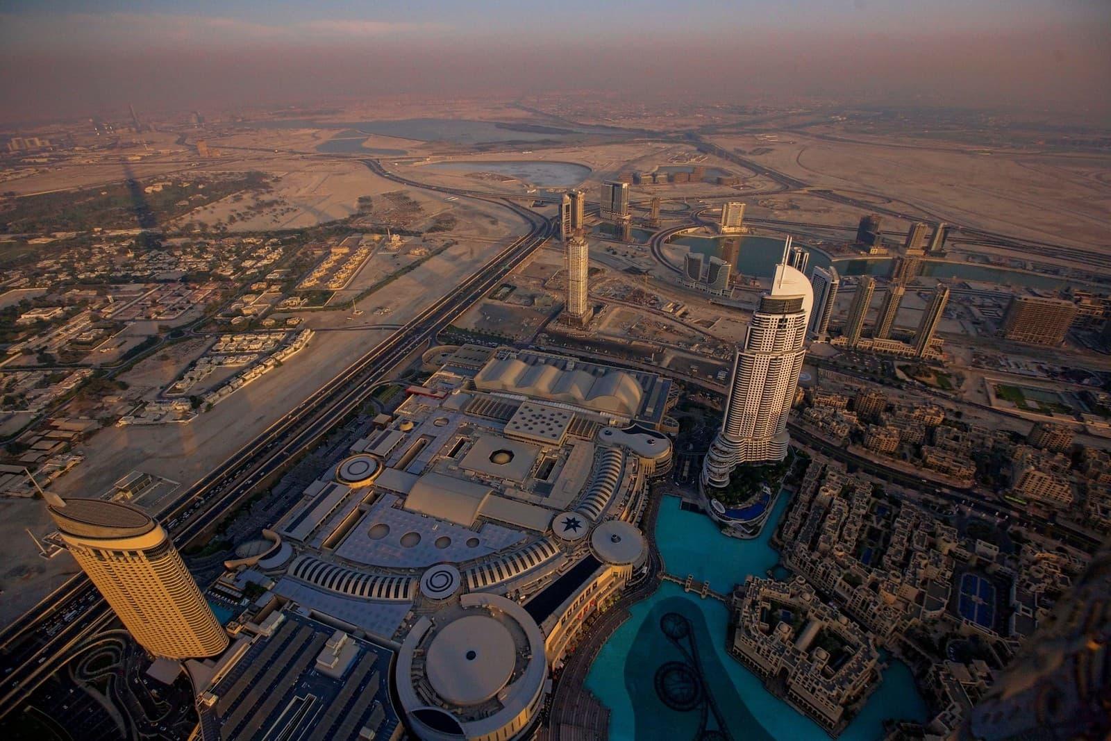 vista del desierto desde el Burj Khalifa