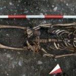hombre esqueleto tortura rueda