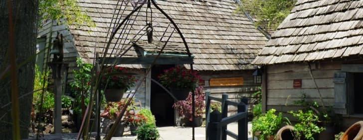 la escuela de madera mas antigua en estado unidos museo