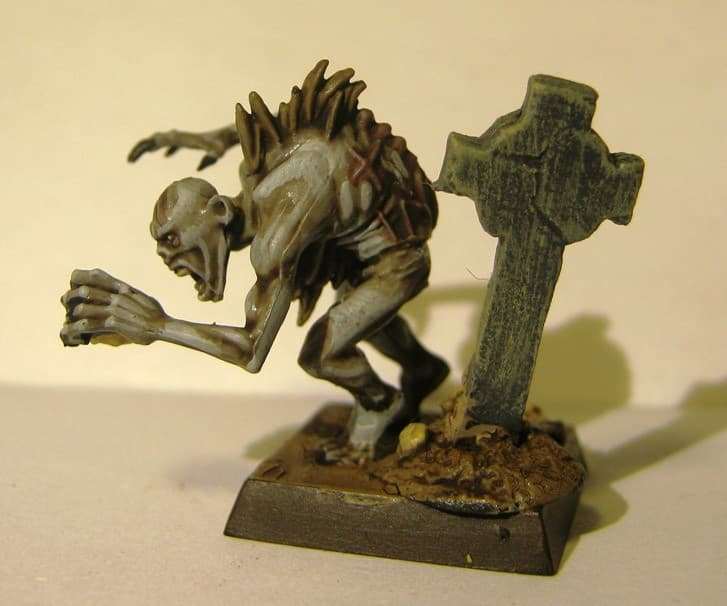 necrofago figura en miniatura