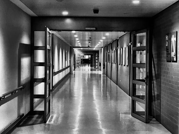 corredor de un hospital