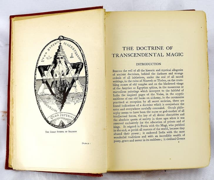 la doctrina de la magia trascendental