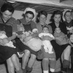 Embarazadas en Auschwitz: la cruel historia de madres y bebés en campos de exterminio