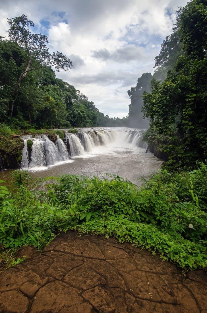 meseta de bolaven en laos cascada