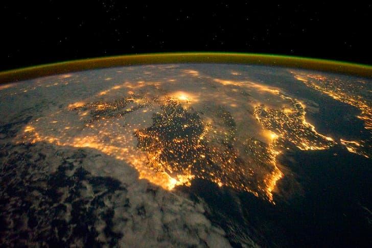 portural visto desde el espacio planetra tierra