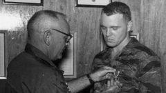 """James """"Bo Gritz"""" Gordon, el militar que inspiró Rambo"""
