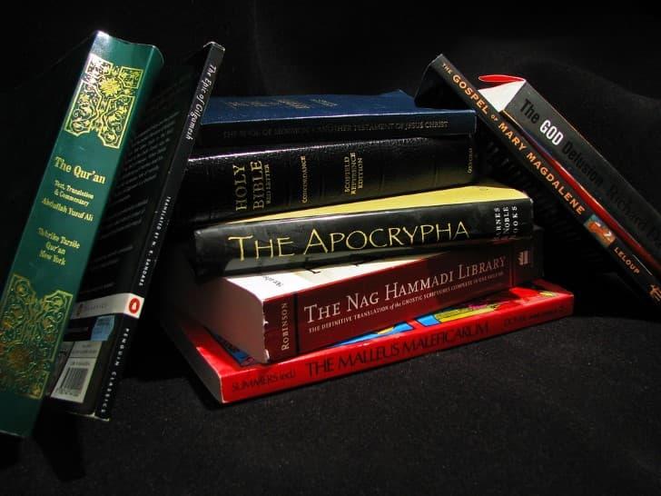 lbros de religion y brujas