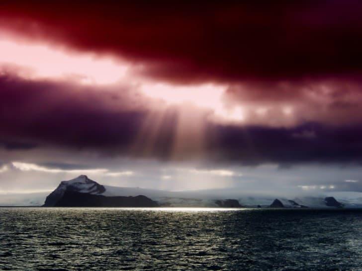 NASA descubrió evidencia de un universo paralelo en la Antartida