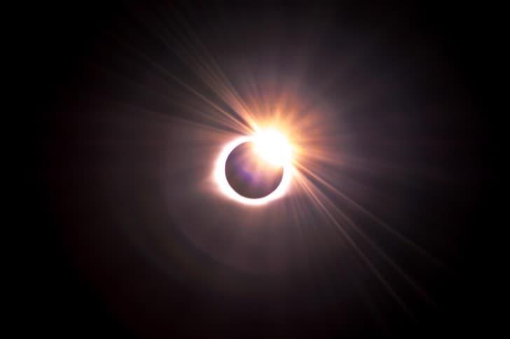 eclipse lunar intenso
