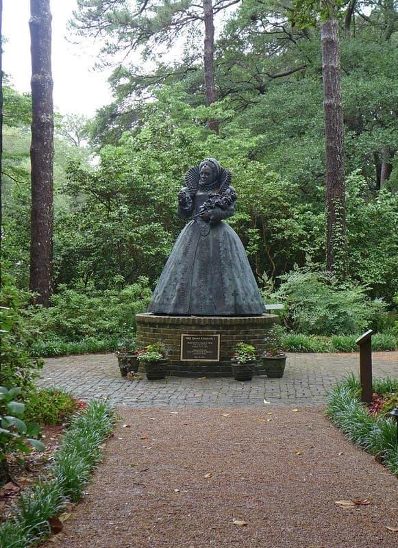 estatua de Isabel I