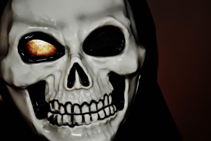 relatos de terror mascara de la muerte