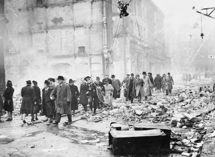 Daños en Londres durante el Blitz