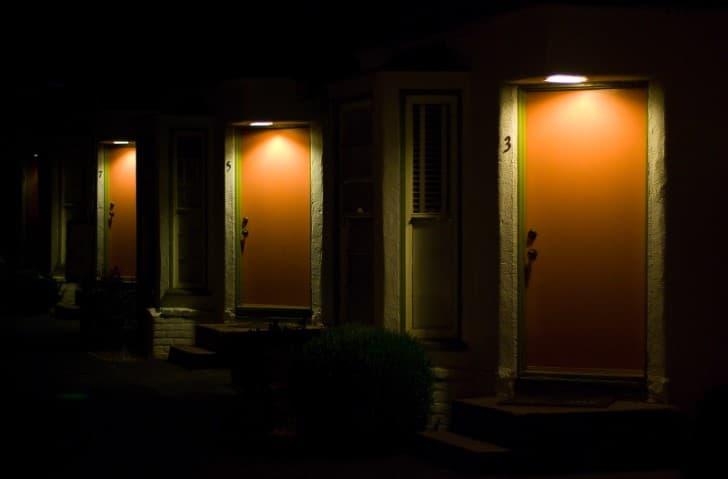 motel por la noche