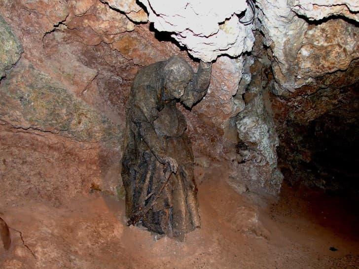 caverna de mama shipton