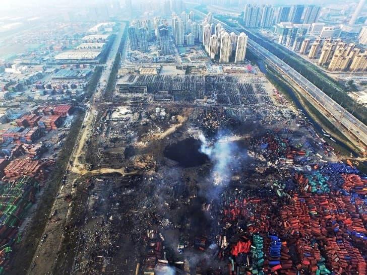 crater de la explosion en Tianjin China