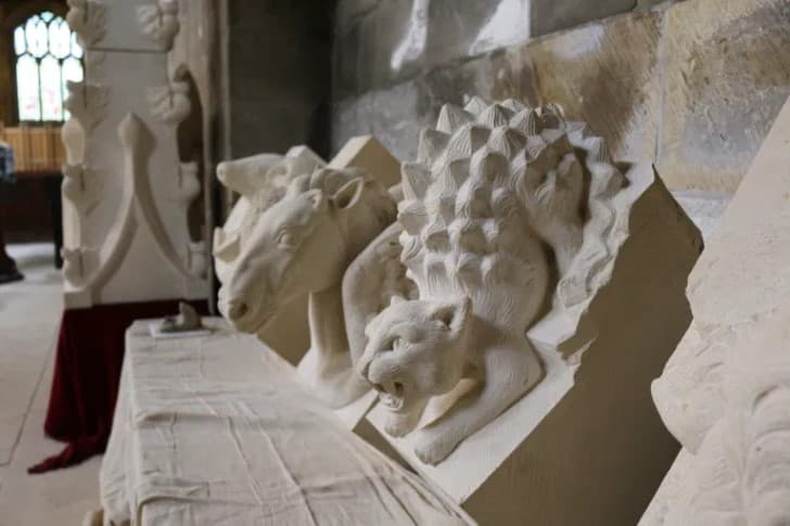esculturas narnia inglesia medieval (2)