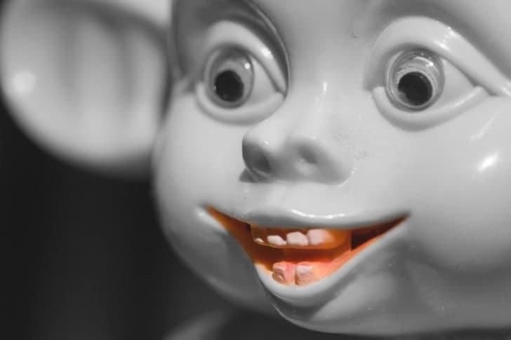 muñeco aterrador mirada loca(2)