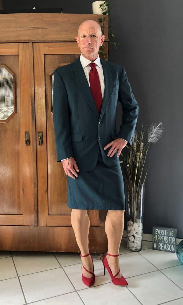 hombre vistiendo faldas Mark Bryan (1)