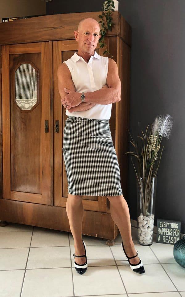 hombre vistiendo faldas Mark Bryan (5)