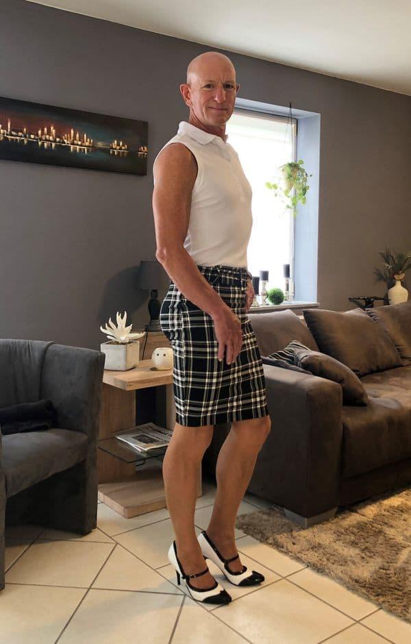 hombre vistiendo faldas Mark Bryan (6)