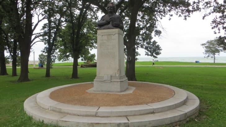 monumento a Emanuel Swedenborg