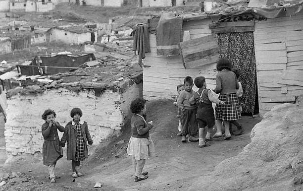 niños jugando en 1950