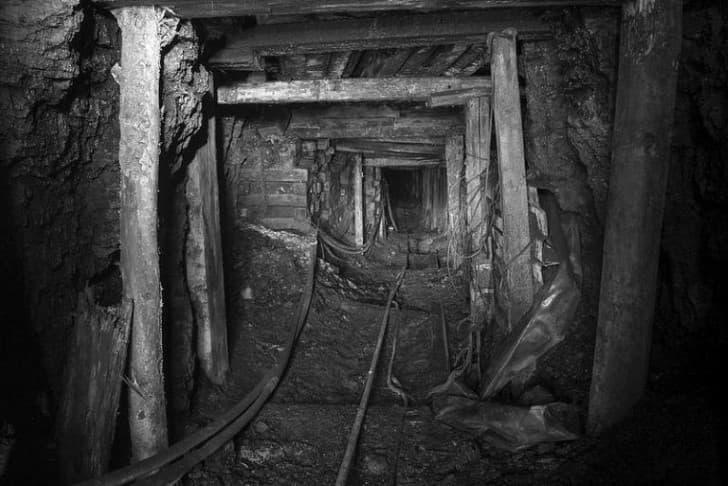 mina embrujada
