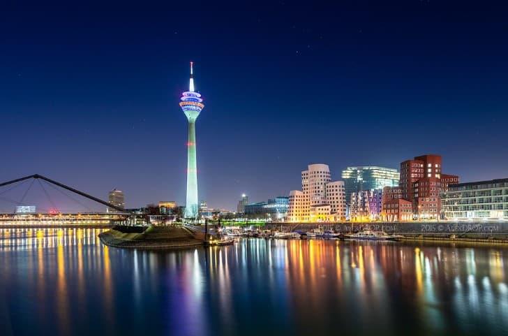 Dusseldorf por la noche