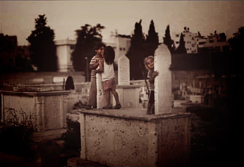 niños del cementerio(1)