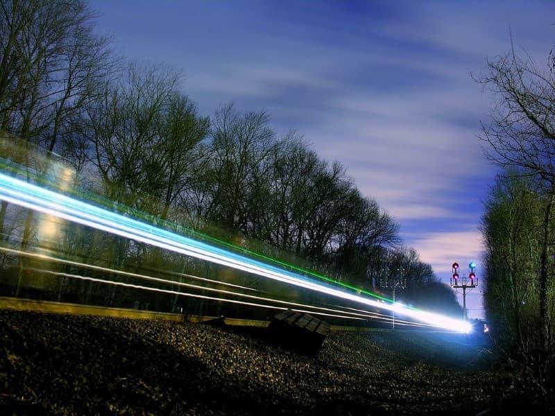tren viaja en el tiempo