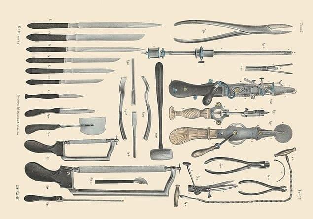 herramientas cirujano siglo 10