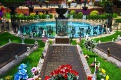 tumba de elvis presley (2)