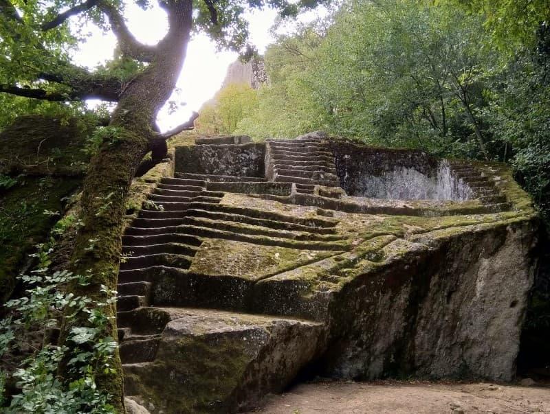 pirámide etrusca de Bomarzo