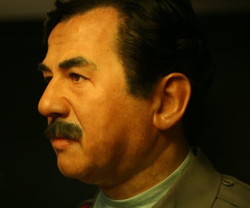 Rostro de Saddam Hussein