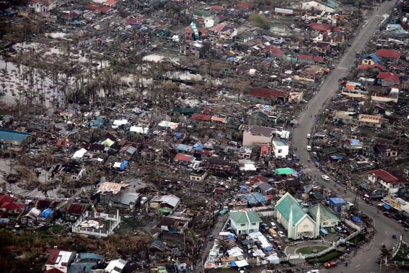 daños del tifon Haiyan
