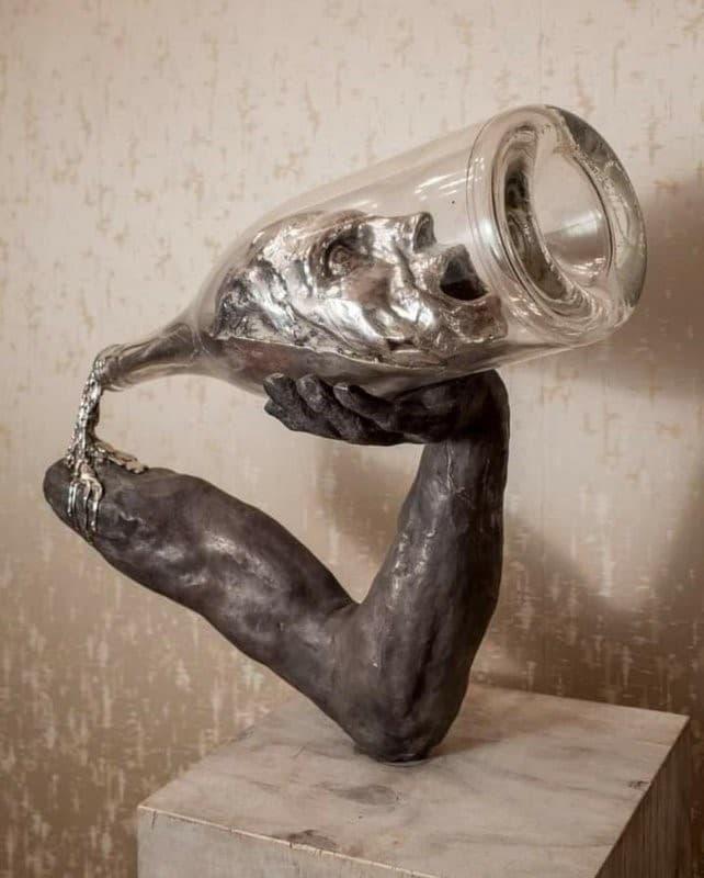 escultura alcoholismo