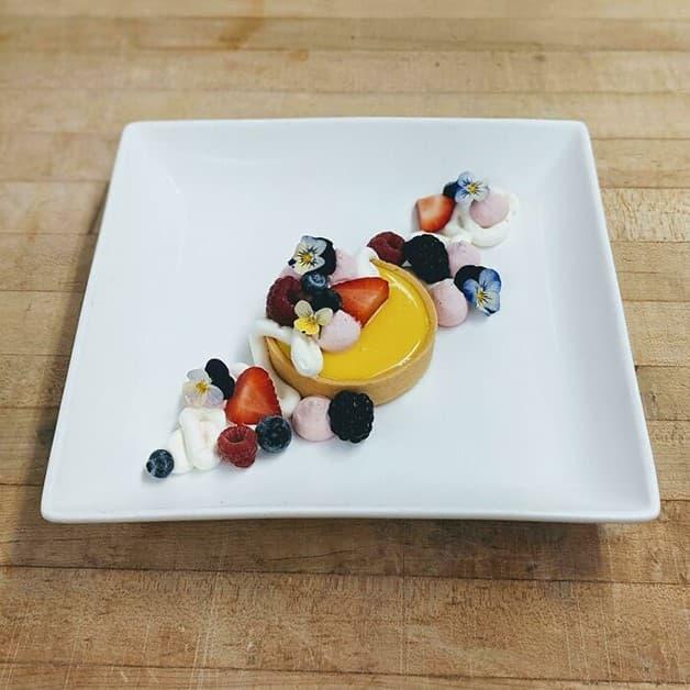 Tarta de mango con ganache de chocolate