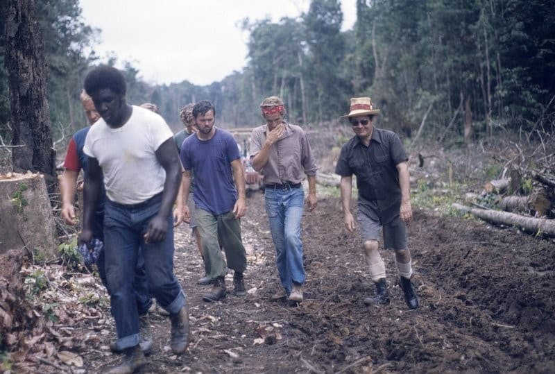construccion de Jonestown