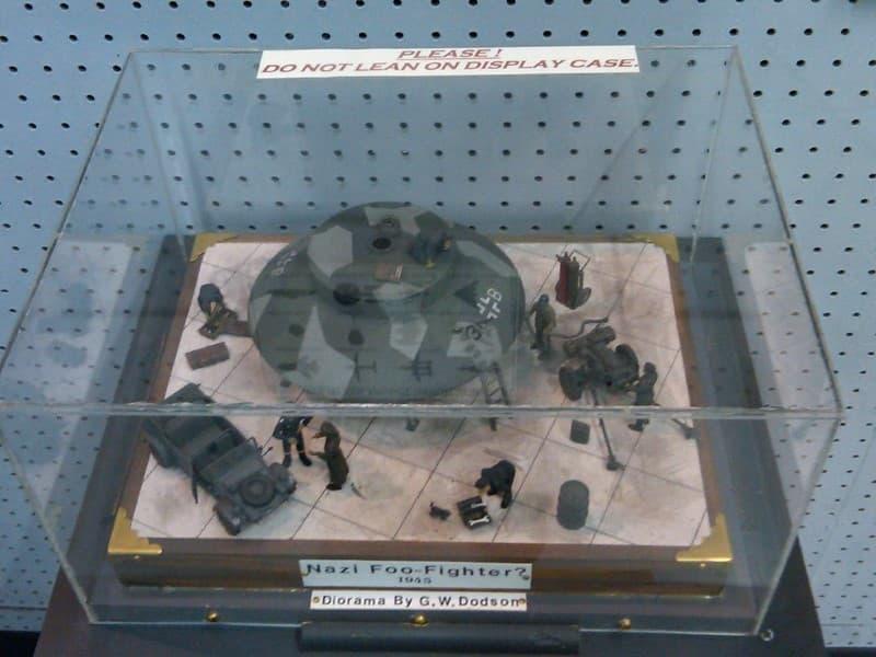 Foo Fighters nazi diorama