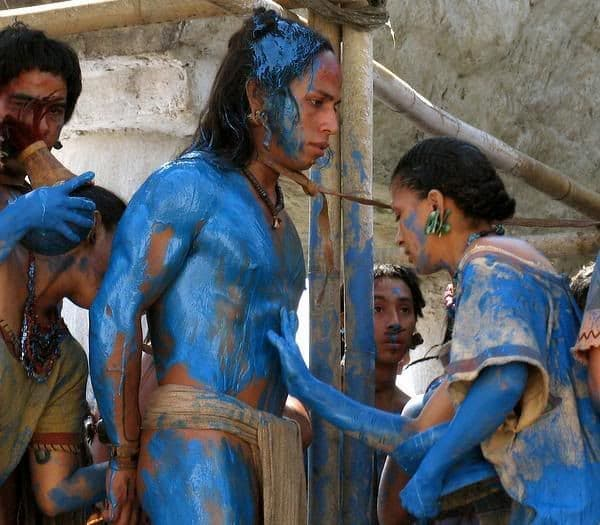 mayas pintaban sacrificios humanos de azul