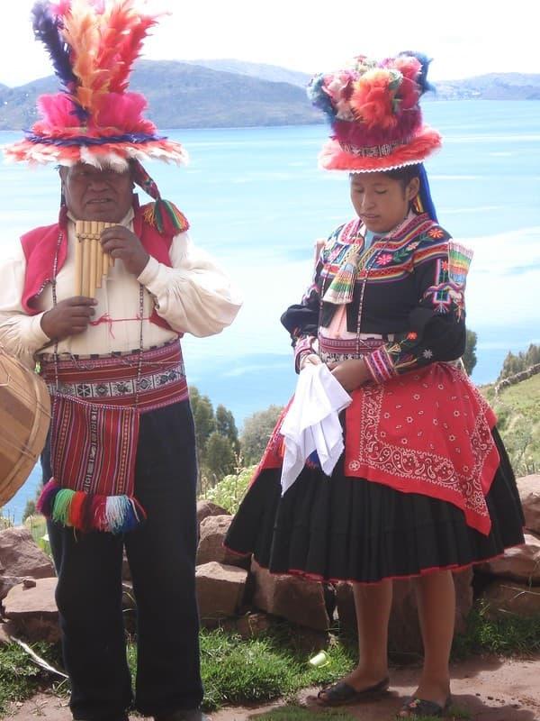vestimenta tradicional en taquile isla